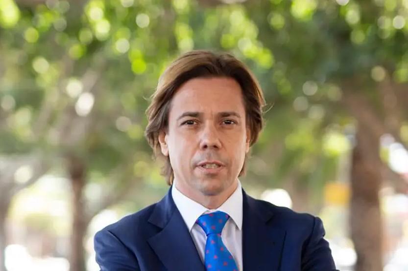 Javier Báez, consejero portavoz del Instituto de Tráfico y Transporte, comenta la situación actual de la formación vial, para La Razón.